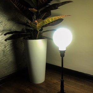 Lampă Personalizată si Printată 3D – tip lună